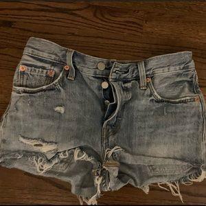 Women's Levi 501 jean shorts size 25